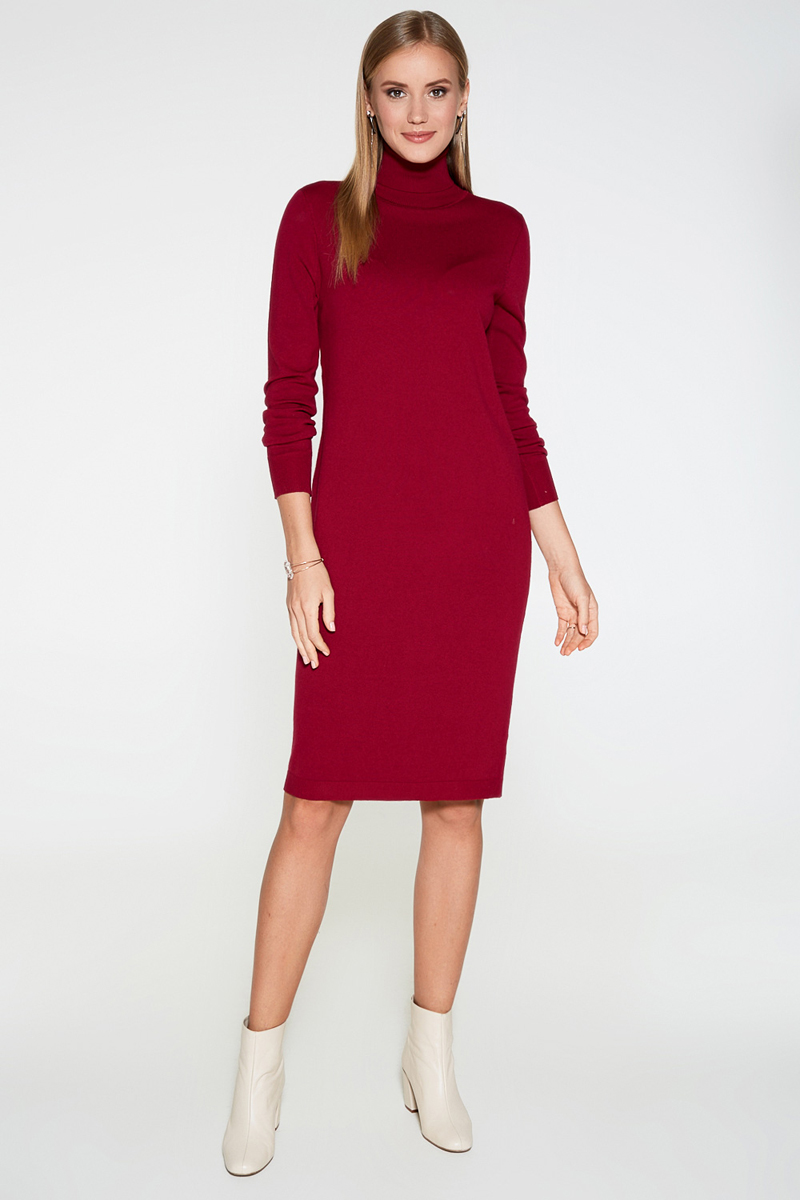 Платье Concept Club Vasson17, цвет: бордовый. 10200200352. Размер S (44)10200200352Базовое платье от Concept Club облегающего кроя выполнено из эластичного вязаного трикотажа. Модель с воротником-гольф и длинными рукавами с эластичными манжетами.