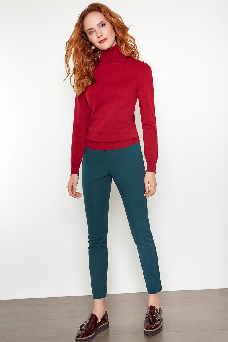 Свитер женский Concept Club Vassa17, цвет: бордовый. 10200320025. Размер XS (42)10200320025Базовый свитер от Concept Club с воротником-гольф выполнен из эластичного вязаного трикотажа. Модель с длинными рукавами, эластичными манжетами и поясом.