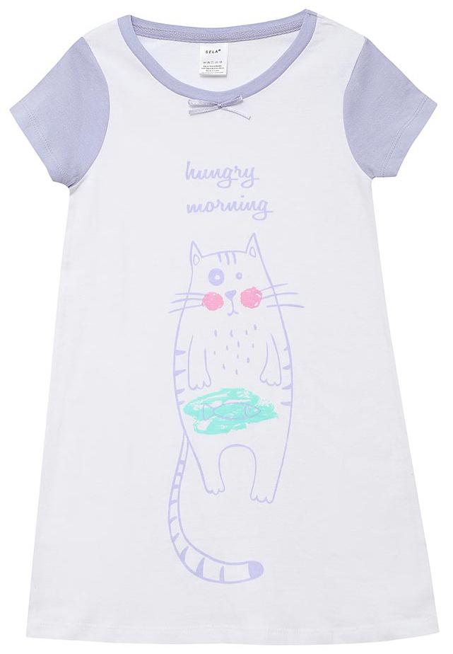 Ночная рубашка для девочки Sela, цвет: белый. NDb-5661/106-7311. Размер 104/110NDb-5661/106-7311Ночная рубашка от Sela выполнена из натурального хлопка. Модель свободного кроя с короткими рукавами и круглым вырезом горловины.