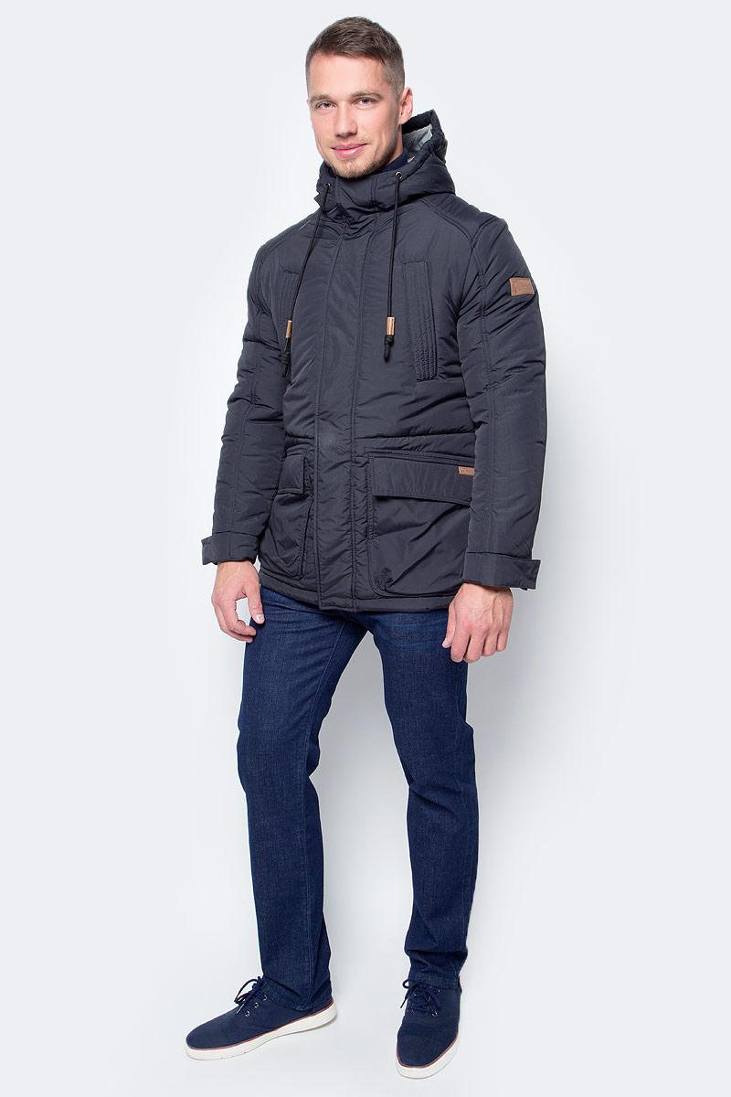 Куртка мужская Baon, цвет: черный. B537506_Black. Размер M (48)B537506_BlackПрактичный вариант для тех, кто высоко ценит удобство и комфорт, - куртка от Baon с трикотажной подкладкой. Регулируемый по объему капюшон не отстегивается. Куртка застегивается на молнию, ветрозащитный клапан - на кнопки. Объем манжет регулируется при помощи клапанов с кнопками, объем нижней части изделия - за счет кулиски с утяжкой. Куртка оснащена двойными карманами по бокам (с отделениями на молнии и с отделениями на кнопках), нагрудными карманами с молниями и потайным карманом на молнии. Рукав изделия декорирован фирменным логотипом из кожи.
