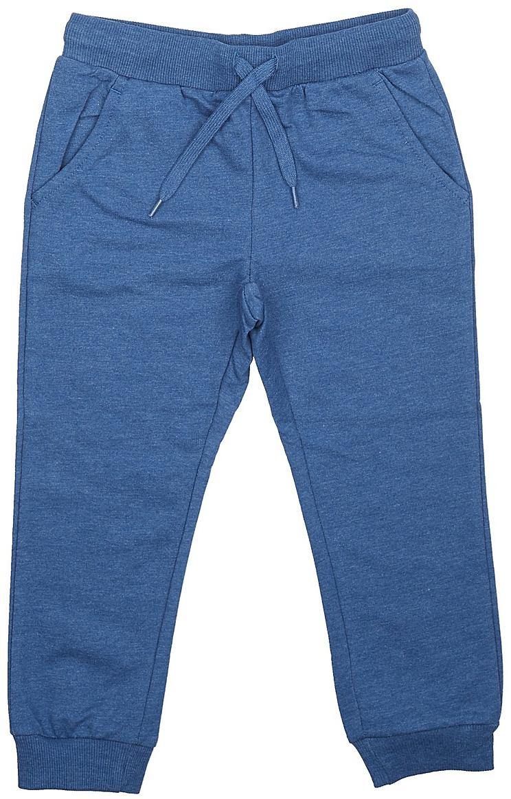 Брюки спортивные для мальчика Sela, цвет: синий. Pk-715/106-7341. Размер 110Pk-715/106-7341Спортивные брюки для мальчика от Sela выполнены из хлопкового трикотажа. Модель на талии дополнена широкой эластичной резинкой со шнурком. Брючины имеют широкие трикотажные манжеты. По бокам брюки дополнены втачными карманами.