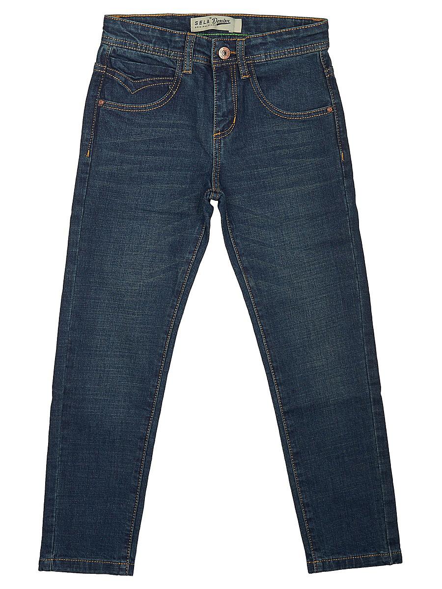 Джинсы для мальчика Sela, цвет: темно-синий. PJ-835/022-7361. Размер 146PJ-835/022-7361Джинсы для мальчика от Sela выполнены из эластичного хлопка. Модель зауженного силуэта имеет пятикарманный крой: спереди – два втачных кармана и один маленький кармашек, сзади – два накладных кармана. Джинсы в поясе застегиваются на пуговицу, имеют ширинку на застежке-молнии и шлевки для ремня.