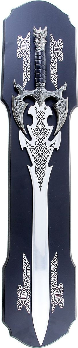 Сувенирное оружие Меч, на планшете,417096Сувенирный меч - изысканный интерьерный декор, придется по вкусу мужчине, для которого гордость и достоинство - верные спутники в жизни. Геральдическая символика и витиеватые узоры, изображенные на оружии, отбрасывают нас в далекую эпоху средневековья.Такое сувенирное оружие вы легко можете расположить на стене. Сувенир на то и сувенир, чтобы вы получали эстетическое удовольствие: просто любуясь или, достав мечи, сымитировав средневековый бой.