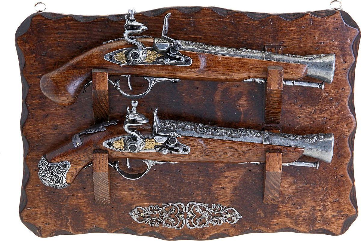 Сувенирное оружие La Balestra Макет 2 пистолей, на планшете, 42 х 27,5 х 7 см665930Состав: панель из березы, стволы пистолей из белой лимбы, детали из цинково-алюминиевого сплава.