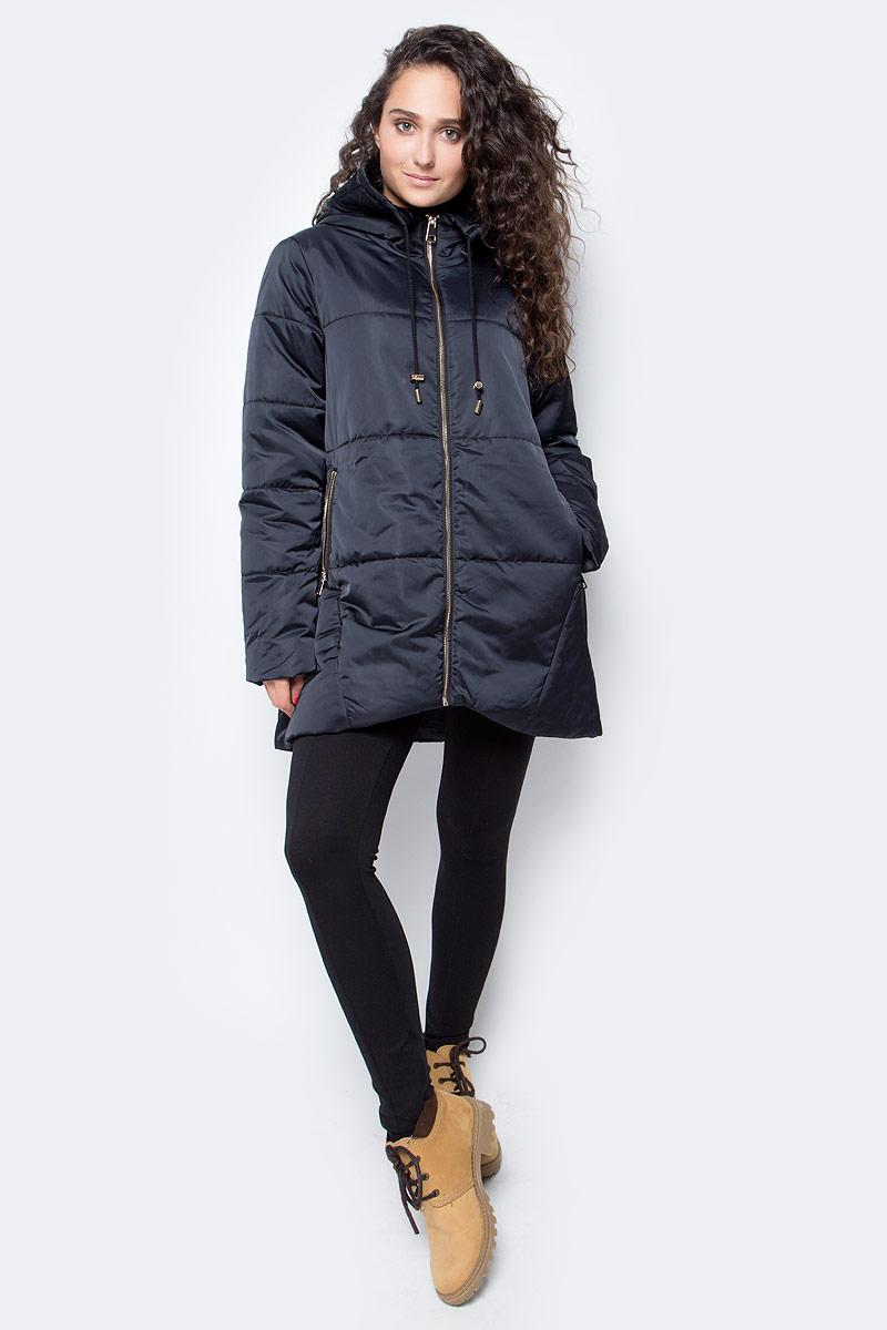 Куртка женская Baon, цвет: черный. B037560_Black. Размер XL (50)B037560_BlackМодная женская куртка от Baon станет украшением вашего осеннего гардероба. На матовой поверхности материала выгодно выделяется золотистая фурнитура. Регулируемый капюшон не отстегивается. Объем нижней части изделия регулируется при помощи внутренней кулиски с утяжкой. Боковые карманы застегиваются на молнии. Рукав декорирован фирменным металлическим логотипом.