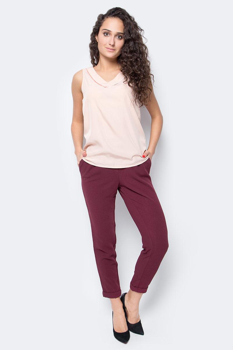 Топ женский Vero Moda, цвет: розовый. 10185861_Rose Cloud. Размер M (46)10185861_Rose CloudТоп женский Vero Moda выполнен из качественного материала. Модель свободного кроя с V-образным вырезом горловины.