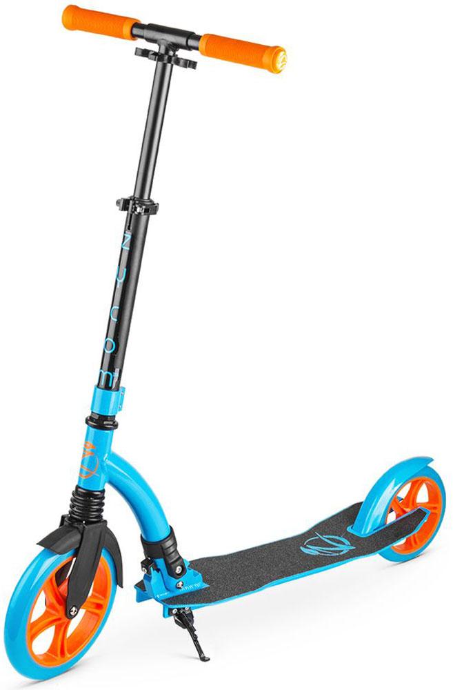 Самокат Zycom Easy Ride 230, цвет: голубой1149156Zycom Easy Ride 230 - это усовершенствованная модель самоката, созданного австралийской компанией Зайком Моушен, которая в новом сезоне получила популярные большие колеса - 230 мм спереди и 180 мм сзади.Самокат имеет современный высокоточный подшипник ABEC-5, который используется на передовых катательных устройствах высокого уровня.Колеса сделаны из плотного PU-материала (каучук), который практически не деформируется. Он не прокалывается, также его не нужно постоянно подкачивать. Еще его толщина и строение обеспечивают легкое качественное качение при минимуме усилий. Для комфортной и легкой (как говорит название - Easy Ride) езды по городу у самоката есть все необходимое:1. Большие колеса, которые преодолеют и лужу, и поверхность из брусчатки;2. Передний амортизатор, который сгладит вибрацию и удары при неровностях дороги;3. Большой задний тормоз, в который легко попасть ступней и плавно затормозить; 4. Широкая и длинная дека (платформа самоката), на которую удобно ставить одну или даже две ноги;5. Регулируемый по высоте руль, благодаря которому вы выберете комфортный для вас уровень - и для ребенка, и для подростка, и для взрослого.6. Складной механизм - самокат в сложенном виде очень компактен и портативен.Австралийская компания Заком Моушен уже более 10 лет присутствует на мировом рынке и выпускает специализированную линейку трюковых самокатов для спортсменов слалома под маркой MDP. Компания знает все потребности и нюансы самокатостроения, имеет большой накопленный опыт.Катайтесь всей семьей на самокат Zycom Easy Ride и проводите драгоценное время вместе в увлекательных поездках!