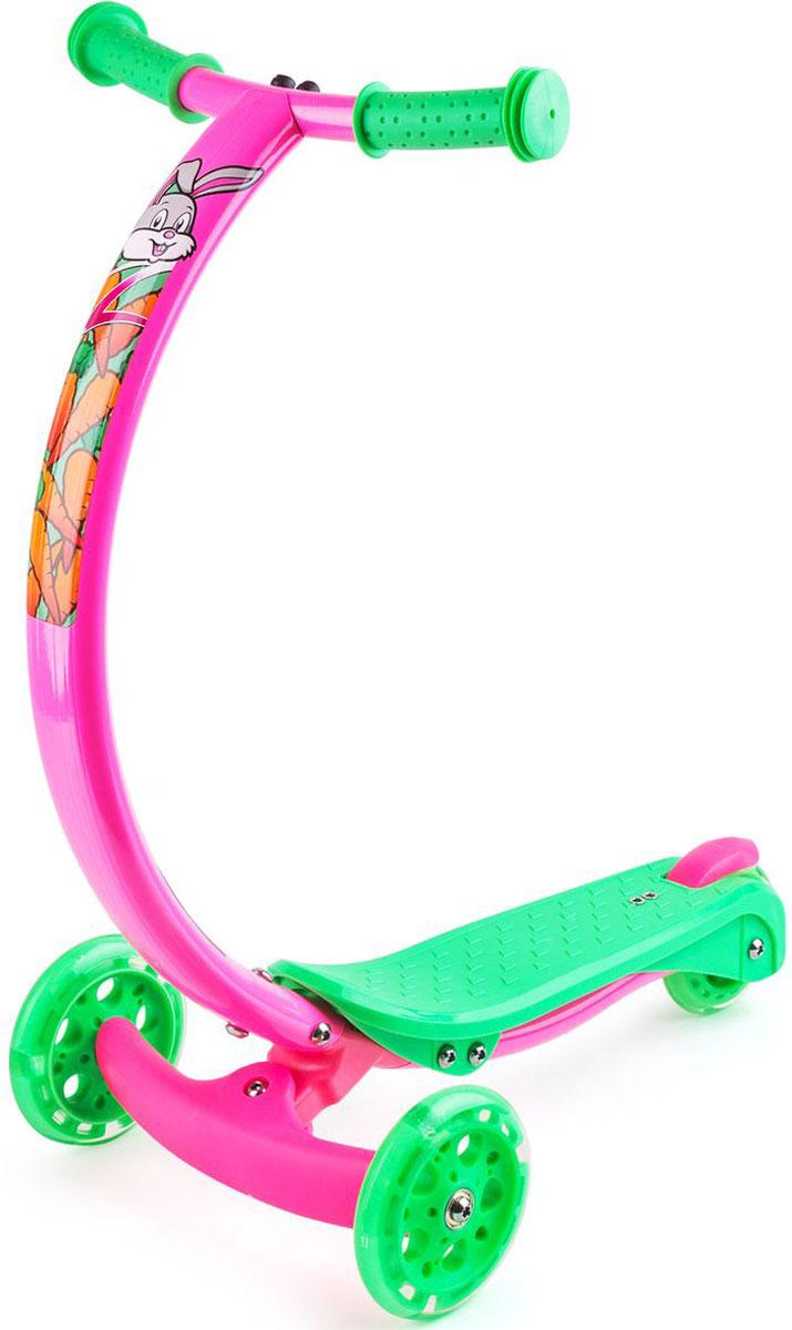 Самокат Zycom Zipster, со светящимися колесами, цвет: розовый1149169Будущее здесь уже сегодня. Zycom Zipster - модель с веселыми зверюшками и еще более яркими детскими цветами, рассчитанная на детей от 2 до 5 лет. Яркие цвета наполняют настроем лета и солнца, а фирменная изогнутая ручка (в форме улыбки) поражает элегантностью, необычностью и удобством для детей. Тигренок, обезьянка, зайчик и котенок - веселые рожицы лесных персонажей сделают самокат живым и одушевленным, способным поиграть с вашим малышом, а не просто бездушным транспортом. Что поразительно - самокат имеет еще и светящиеся колеса, которые будут дополнительным развлечением на прогулке. Во время движения они мигают и переливаются, создавая ощущения праздника или движущегося космического корабля. Изогнутая ручка самоката не только поражает красотой и полетом современной инженерной мысли, но также невероятно удобна.Ведь положение рук под углом 45 градусов - при обхвате рукояток - более естественно для ребенка, удобно и комфортно. Когда ручки в таком положении, то ребенку не нужно наклоняться вперед, или принимать неестественную позу. Ребенок может кататься с ровной спиной. Также благодаря изогнутой форме коленки не будут задевать руль при катании. Самокат поворачивает за счет наклонов (перенесения тяжести тела) ребенка влево-вправо. Это учит балансировать и развивает чувство равновесия у детей, а также в целях безопасности не дает сделать слишком резкий поворот. Самокат Zycom Zipster очень компактен - высота ручки от пола составляет 61 см, при этом она оптимальна для детей различного роста в возрасте от 2 до 5 лет. Максимальная допустимая нагрузка - 50 кг. Это очень много. Такой надежностью не может похвастаться ни один трехколесный самокат в данной категории. Благодаря тому, что ручка сделана из алюминия специальным образом, то самокат имеет малый вес при высокой надежности конструкции. Производитель предусмотрел эргономичные рукоятки, которые легко и просто обхватить детской рукой, а также компактный 