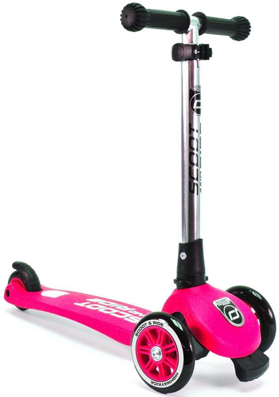 Самокат Scoot&Ride HighwayKick 3 Light, цвет: розовый1373334Самокат Scoot&Ride HighwayKick 3 Light, в отличие от Highway Kick 3 не имеет функции сложения ручки, - это самокат, предназначенный для детей от 3 до 6 лет с впечатляющей маневренностью, красивым внешним видом и максимальной безопасностью. Эта функция реализуется у всех самокатов Scoot&Ride за счет стоппера, который крепится спереди-снизу самоката и не дает ребенку улететь вперед при неудачном маневре. При заваливании вперед стоппер касается земли первым, и не дает самокату дальше заваливаться вперед. Уровень выдвижения стоппера вы можете отрегулировать сами шестигранным ключом, а также вообще убрать его при необходимости. Это запатентованная функция компании Scoot&Ride Company GmbH (Австрия). При разработке самоката инженеры уделили много внимания механизму. Казалось бы, принцип поворота за счет наклонов у самоката тот же, однако качество фурнитуры и подшипников гораздо выше многих моделей.