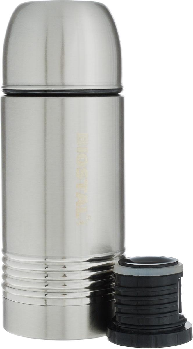 Термос Biostal Охота, с 2 пробками, 350 млNYP-350Термос с узким горлом Biostal Охота с двойной металлической колбой выполнен из высококачественной нержавеющей стали 18/8. Термос предназначен для хранения горячих и холодных напитков (чая, кофе) и укомплектован двумя пробками. Пробка без кнопки надежна, проста в использовании и позволяет дольше сохранять тепло благодаря дополнительной теплоизоляции. Пробка с кнопкой удобна в использовании и позволяет, не отвинчивая ее, наливать напитки после простого нажатия на кнопку. Верхнюю завинчивающуюся крышку можно использовать как чашку. Термосы серии Охота пользуются большой популярностью у любителей охоты и рыбалки, так как они, сохраняя прочность и термоустойчивость, легки и компактны. Диаметр основания термоса: 7,5 см. Диаметр горлышка: 4,5 см. Высота термоса: 20 см.