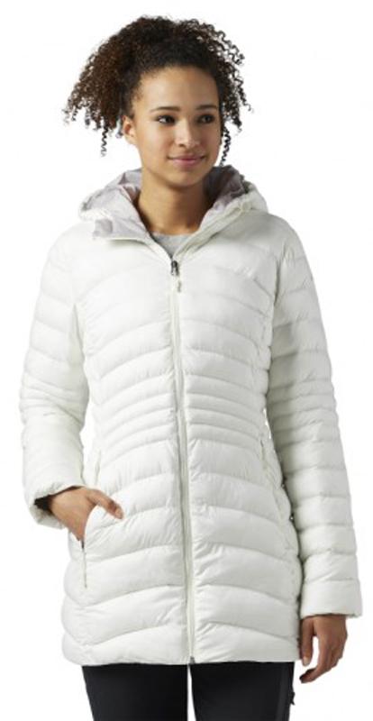 Куртка женская Reebok Od Dwnlk Prka, цвет: белый. BR0500. Размер XS (40)BR0500Женская куртка Reebok выполнена из водонепроницаемой и дышащей ткани - высококачественного полиэстера. В качестве наполнителя используется 100% полиэстер. Модель с капюшоном застегивается на застежку-молнию. Изделие оснащено двумя прорезными карманами на застежках-молниях. Объем капюшона регулируется при помощи эластичного шнурка со стопперами. Куртка дополнена светоотражающими элементами.