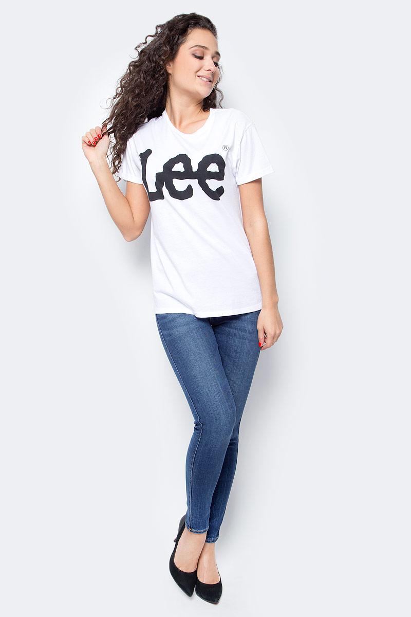 Футболка женская Lee, цвет: белый. L40LEP12. Размер L (46)L40LEP12Женская футболка Lee выполнена из 100% хлопка. Модель с круглым вырезом горловины и короткими рукавами оформлена контрастным принтом с названием бренда.