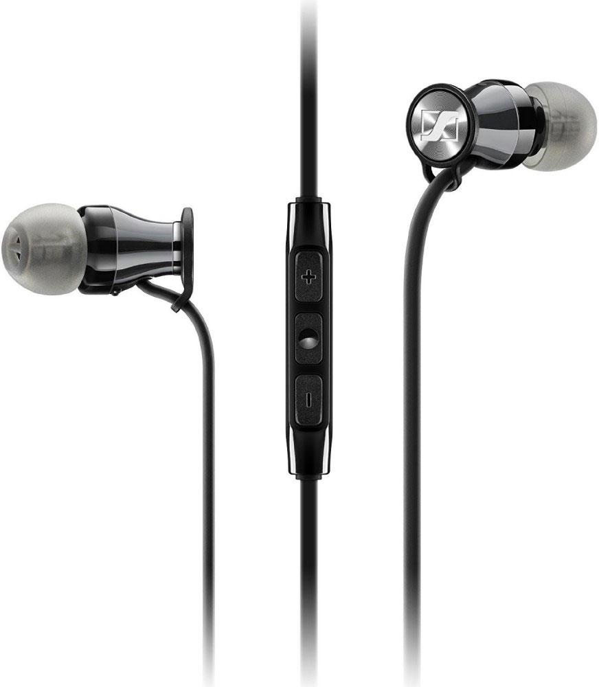 Sennheiser Momentum In-Ear M2 IEG, Black Chrome наушники506395Sennheiser Momentum In-Ear M2 IEG продвигают концепцию наушников на новый уровень. Сочетание элегантного вида, эргономичного дизайна и инновационной акустической инженерии обеспечивает невероятно богатое и сбалансированное звучание.Интегрированный в кабель пульт управления оптимизирован для устройств под управлением Android, так что вы сможете отвечать на звонки и переключать треки простым нажатием кнопки.Объединяя элегантный эргономичный дизайн с излучателями, изготовленными по новой –лидирующей в своем классе – фирменной технологии от Sennheiser, новинка обеспечивает звуковой почерк Momentum: мощные басы, детальную передачу вокала и широкую звуковую сцену.Изящный и высокотехнологичный дизайн выдержан в одном стиле и начинается с более чем 200 контрастных красных стежков, украшающих черно-лаковую молнию на чехле, защищающем ваши наушники. Кабель эллиптической формы (служит для минимизации спутывания) приводит к изящным корпусам наушников.Выдающиеся качества дизайна также распространяются и на посадку модели.Благодаря эргономичному корпусу с 15° наклоном, небольшому сечению звуководов и комплекту мягких насадок четырех размеров, вы сможете забыть,что Sennheiser Momentum In-Ear M2 IEG находятся в ушах.