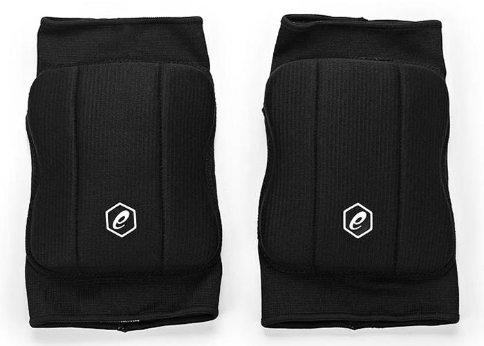 Наколенники Asics Basic Kneepad, цвет: черный. Размер S146814-0904Прочная ткань, влагорегулирующие свойства, точная посадка, легко надевать и снимать, отверстие сзади для дополнительной вентиляции