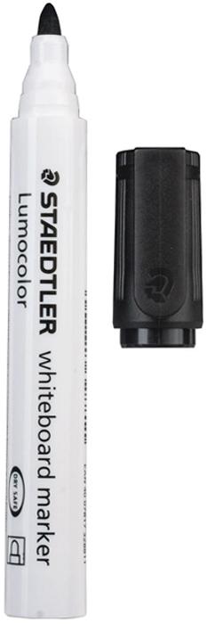 Staedtler Маркер для доски Lumocolor цвет черный 351-9150753Высококачественный маркер для белой магнитно-маркерной доски. Не высыхает с открытым колпачком в течение нескольких дней. Чернила легко стираются с доски стирателем для магнитно-маркерной доски. Даже при сильном нажатии пишущий узел остается на месте.