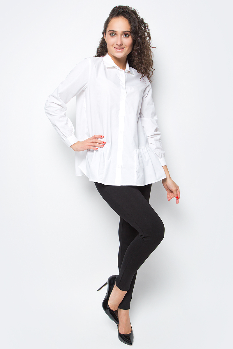 Блузка женская Baon, цвет: белый. B177518_White. Размер L (48)B177518_WhiteЭлегантная блузка от Baon - неотъемлемая составляющая делового гардероба, уже давно ставшая классикой. Новое прочтение традиционной модели заключается в лаконичном крое с изюминкой - оборкой-баской, расположенной вдоль нижнего края. Блузка застегивается на пуговицы. Вдоль линии манжет заложены мелкие складки.