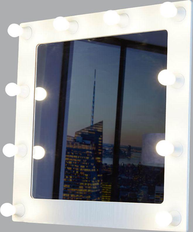 Светильник-зеркало Postermarket Грим, цвет: белый, 68 х 69,5 см. 229229 Грим 10 белыйГримерное зеркало - идеальное дополнение к дизайну вашего дома. Стильное и практичное, выполненное из высококачественных материалов, гримерное зеркало превосходно впишется абсолютно в любой интерьер. Это зеркало будет идеальным помощником для каждой женщины, в процессе создания собственного неповторимого образа.УВАЖАЕМЫЕ КЛИЕНТЫ!Обращаем ваше внимание на тот факт, что лампочки в комплект не входят.