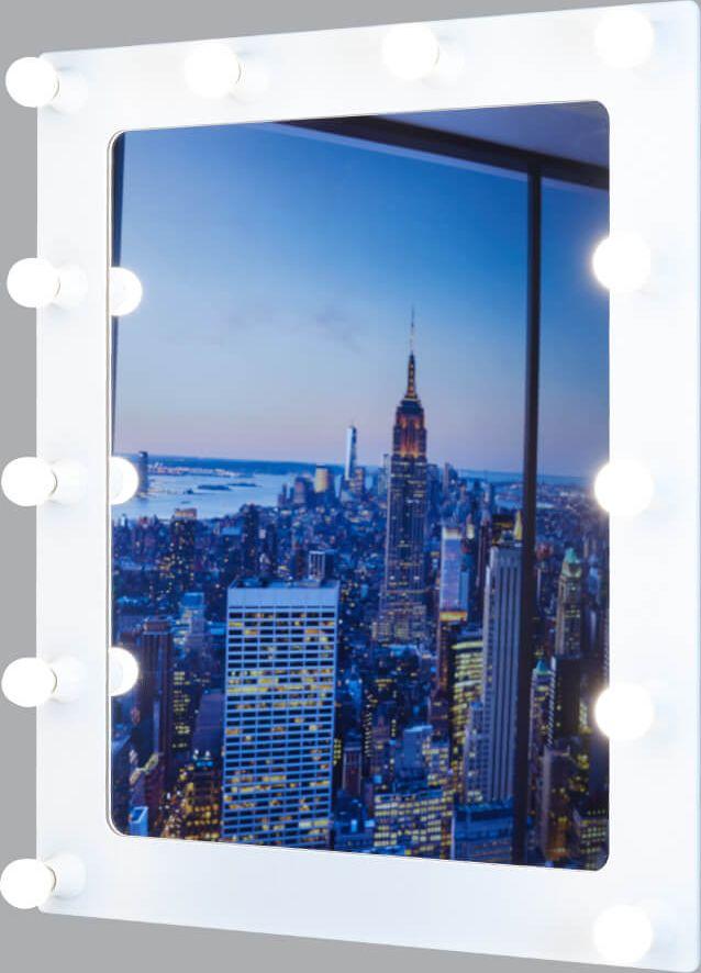 Гримерное зеркало - идеальное дополнение к дизайну вашего дома. Стильное и  практичное,  выполненное из высококачественных материалов, гримерное зеркало  превосходно впишется  абсолютно в любой интерьер. Это зеркало будет идеальным помощником для  каждой  женщины, в процессе создания собственного неповторимого образа. К зеркалу подходят лампочки с цоколем E14.   УВАЖАЕМЫЕ КЛИЕНТЫ!   Обращаем ваше внимание на тот факт, что лампочки в комплект не входят.