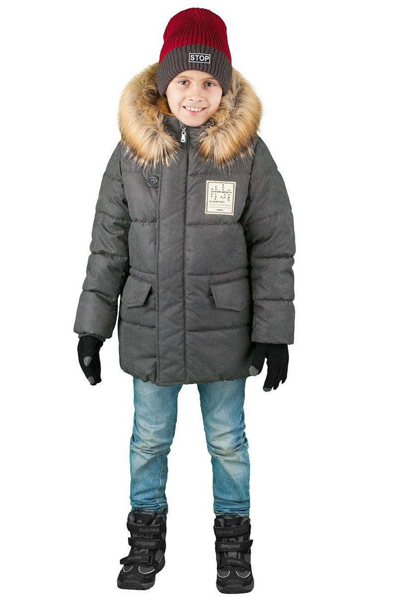 Куртка для мальчика Boom!, цвет: серый. 70492_BOB_вар.1. Размер 104, 3-4 года70492_BOB_вар.1Куртка от Boom! изготовлена из водонепроницаемого и ветрозащитного материала с утеплителем из синтепона. Модель на подкладке из теплого флиса застегивается на пластиковую застежку-молнию. Куртка дополнена капюшоном с опушкой из искусственного меха и вместительными карманами. Универсальная модель, как на морозы, так и на оттепель.