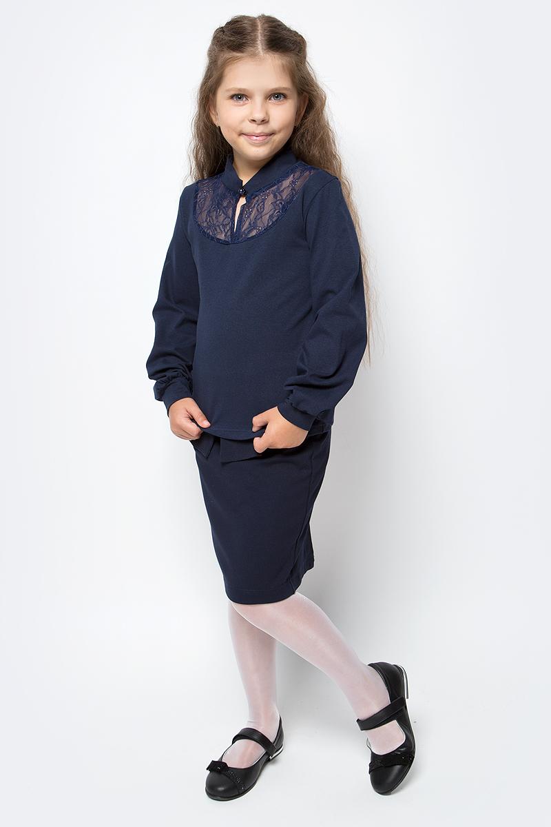 Блузка для девочки Nota Bene, цвет: темно-синий. CJR270461B29. Размер 146CJR270461A29/CJR270461B29Блузка для девочки Nota Bene выполнена из хлопкового трикотажа с кружевной отделкой. Модель с длинными рукавами застегивается на пуговицу.