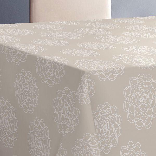 """Эксклюзивная и стильная скатерть Protec Textil """"Alba. Белла"""" состоит на 80% из хлопка и на 20% из полиэстера. Специальная обработка придает ткани термостойкость и влагоустойчивость. Технология производства изделий отвечает новейшим европейским стандартам. Полотна отличаются высочайшими качественными характеристиками: высокими показателями износостойкости, цветостойкости и цветопередачи, прочности ткани на разрыв, низкими показателями истираемости полотна при многократном использовании изделия. Скатерть обладает высокой плотностью, не скользит и не перемещается на поверхности стола, легко протирается влажной тканью, возможна деликатная стирка при температуре не выше 30 градусов.  Скатерть Protec Textil """"Alba. Белла"""" - это тренд современной хозяйки, которая предпочитает стиль и качество в сочетании с практичностью. Размер: 120 х 140 см."""