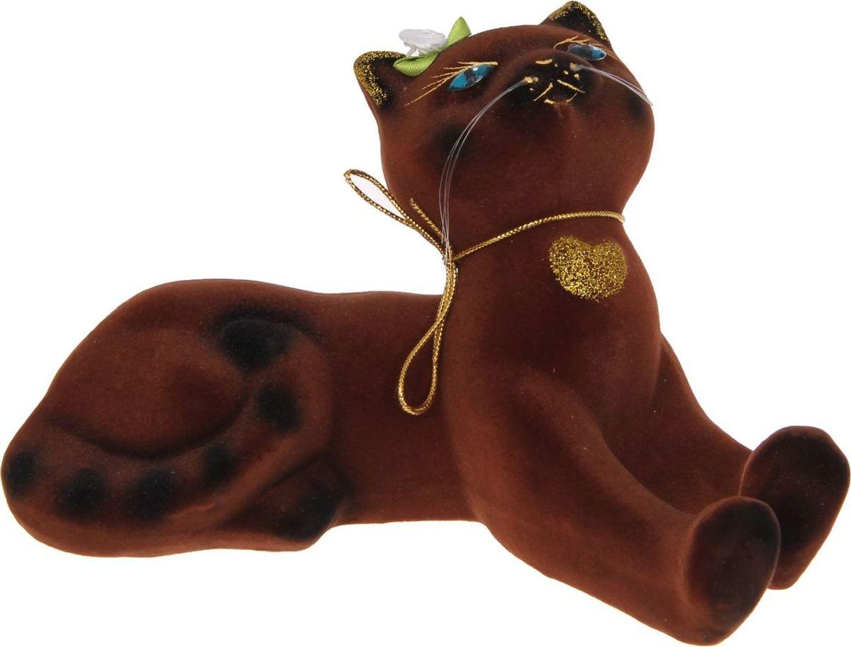 Копилка Керамика ручной работы Васька, 17 х 23 х 15 см1168417Женщины любят баловать себя покупками для красоты и здоровья. С помощью такой копилки можно незаметно приблизиться к приобретению желаемого. Образ кошки всегда олицетворял привлекательность и символизировал домашнее спокойствие. Поставьте изделие возле предметов роскоши, и оно будет способствовать их преумножению.Обращаем ваше внимание, что копилка является одноразовой.