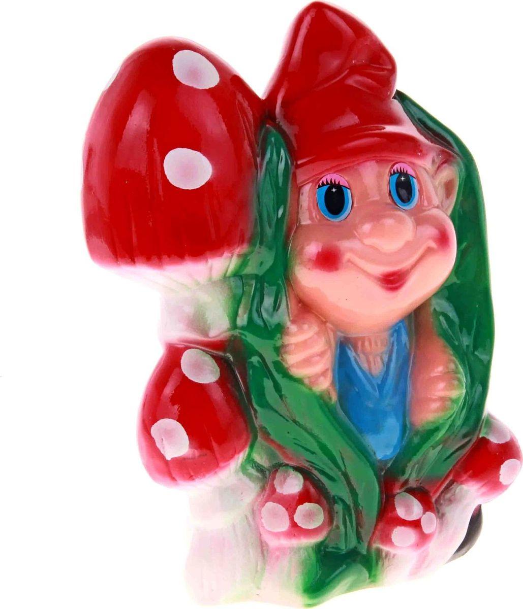 Копилка Керамика ручной работы Гном с грибами, 9 х 17,5 х 24 см193357Сохранилась легенда, что в каждом доме есть свой невидимый, но очень сильный хозяин, который уберегает жилище от злых духов, всевозможных недугов и прочих опасностей, поэтому копилка в виде мифологического создания будет очень полезным приобретением.Обращаем ваше внимание, что копилка является одноразовой.