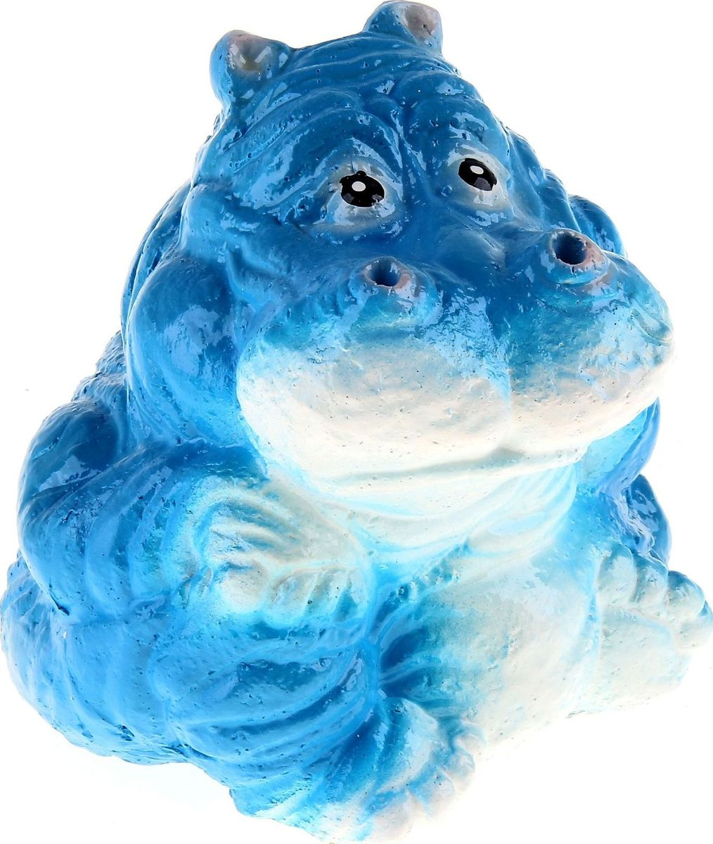 Копилка Бегемот, цвет: белый, синий, 14 х 14 х 16 см332508Копилка — универсальный вариант подарка любому человеку, ведь каждый из нас мечтает о какой-то дорогостоящей вещи и откладывает или собирается откладывать деньги на её приобретение. Вместительная копилка станет прекрасным хранителем сбережений и украшением интерьера. Она выглядит так ярко и эффектно, что проходя мимо, обязательно захочется забросить пару монет.