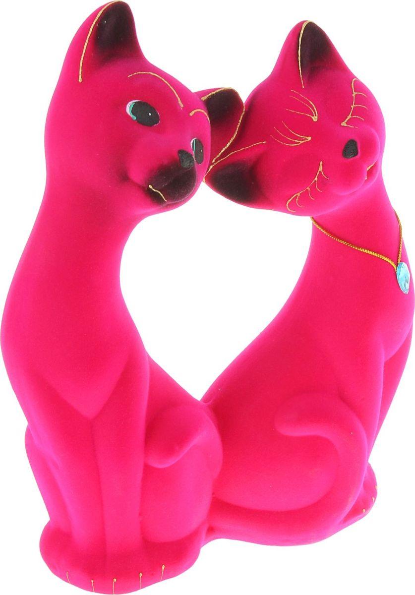 Копилка Керамика ручной работы Влюбленная пара, цвет: ярко-розовый, 8 х 20 х 30 см748721Помните, как порой бывают необходимы не очень большие средства на какое-то нужное и важное дело, но они отсутствуют? Забудьте. В тот момент у вас не было копилки, которая помогла бы в сбережении денег. Изделие в виде котов поспособствует изгнанию злых духов из дома и защищает от сглаза. Кот символизирует домашний уют, тепло семейных отношений, психологический и эмоциональный комфорт.Обращаем ваше внимание, что копилка является одноразовой.