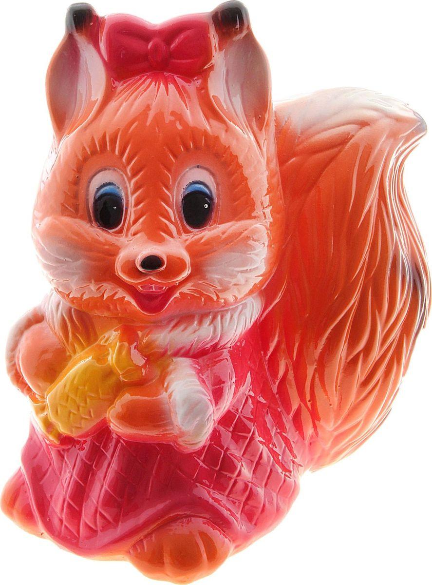 Копилка Керамика ручной работы Белка с конфетой, 12 х 20 х 25 см748757Оригинальная копилка, выполненная в виде любимого животного, станет необычным украшением интерьера или полезным подарком для любимого человека. С её помощью вы с лёгкостью избавите карманы от мелочи и незаметно для себя приумножите сбережения.Обращаем ваше внимание, что копилка является одноразовой.
