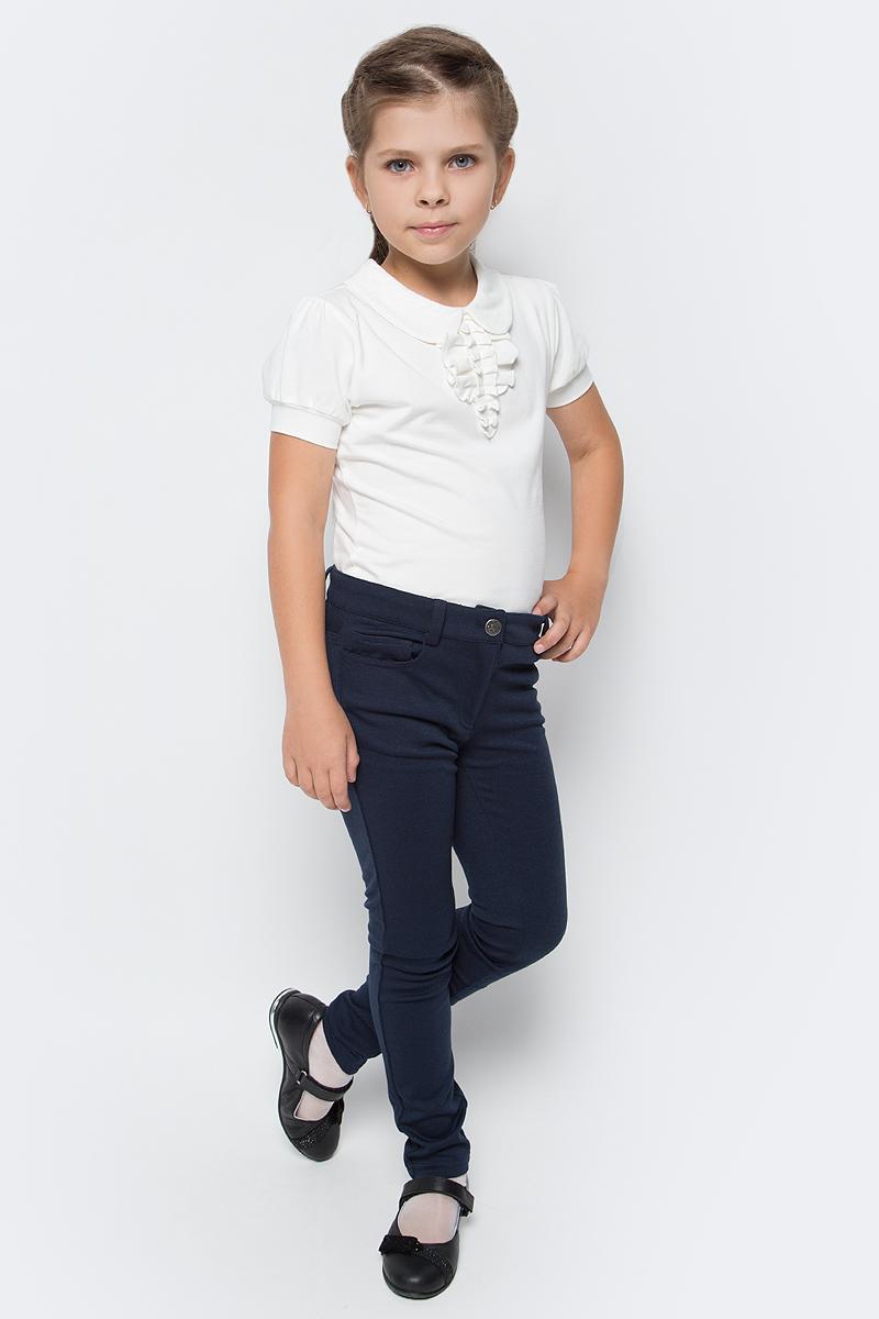 Блузка для девочки Free Age, цвет: молочный. ZG 28082-V2. Размер 128, 7 летZG 28082-V2Блузка для девочки Free Age выполнена из эластичного хлопка. Блузка с отложным воротником и короткими рукавами на спинке застегивается на пуговку. Спереди модель оформлена рюшами. Такая блузка станет прекрасным дополнением школьного гардероба вашей девочки.