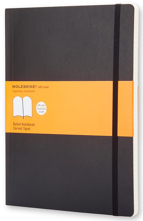 Moleskine Записная книжка Classic Soft Хlarge 96 листов в линейку цвет черный385252Эргономичная записная книжка Moleskine Classic в мягкой, но прочной обложке легко помещается в свернутом виде в карман. Она станет надежным спутником в путешествии и идеально подойдет для записи мыслей и заметок. Этот продукт выполнен в шитом переплете с мягкой обложкой со закругленными углами, закладкой, эластичной застежкой и вместительным внутренним карманом, куда вложена карточка с историей Moleskine.