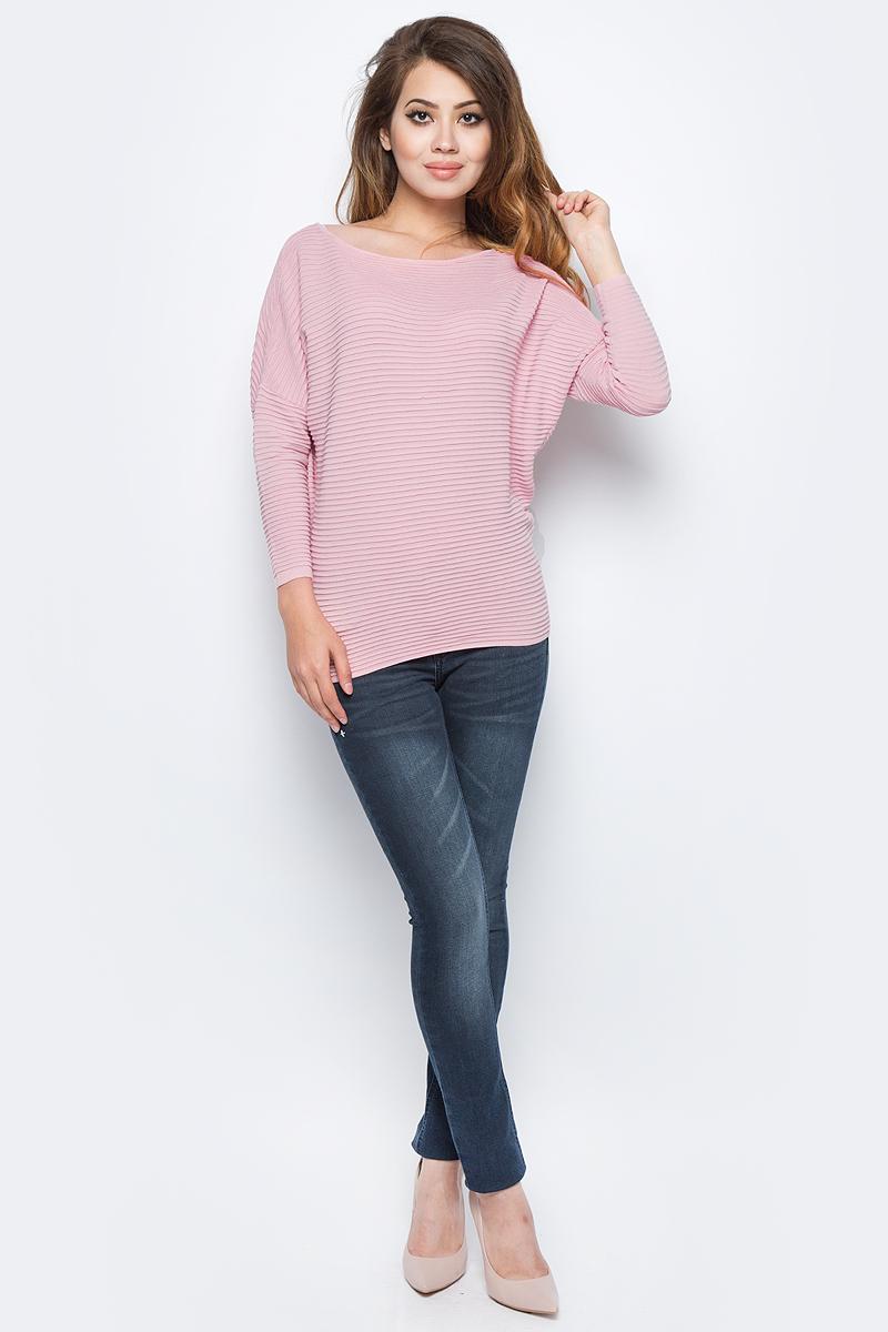 Джемпер женский Sela, цвет: пыльно-розовый. JR-114/1247-7341. Размер S (44)JR-114/1247-7341Женский джемпер от Sela выполнен из вискозного материала. Модель с рукавами летучая мышь длиной 3/4 и круглым вырезом горловины.
