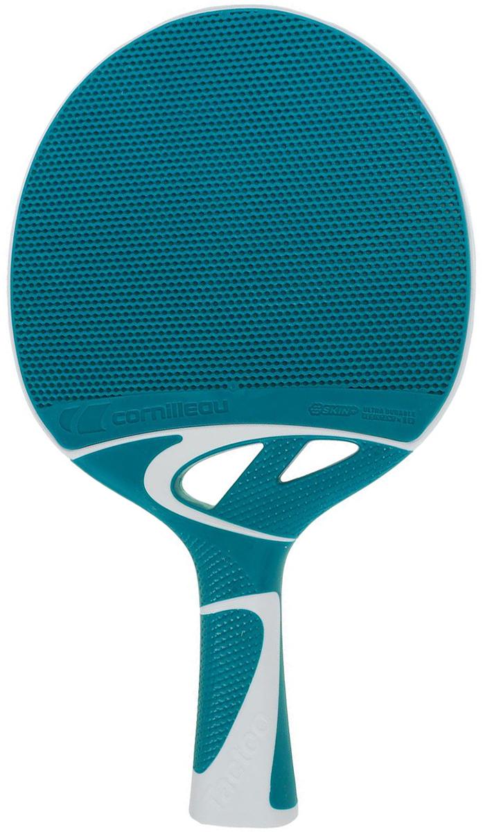 Ракетка для настольного тенниса Cornilleau Tacteo 50, всепогодная, цвет: синий, серый455405Ракетка для настольного тенниса Cornilleau Tacteo 50 прекрасно сочетает в себе технологическую инновацию и дизайн. Предлагает игрокам любого возраста и уровня узнавать и усваивать систематические действия игры в настольный теннис. Ракетка предлагает неповторимые преимущества игровой характеристики, высокая устойчивость к ударам, ее внешние свойства и также ее приятная поверхность. Дополнительно к этим свойствам, ракетка для настольного тенниса Cornilleau Tacteo 50 очень хорошо лежит в руке.Cornilleau Tacteo - ракетка для настольного тенниса из инновативного специального материала разработана в сотрудничестве с компанией Michelin. Она соединяет полимерное основание с эластомерным покрытием. ADS-система и сверхдинамичная пористая поверхность гарантируют игровую характеристику на ровне с ракетками из дерева и губки, которые в основном используются для игры в настольный теннис. При контакте мяча и ракетки, воздух который попадает в пористое покрытие ракетки для настольного тенниса Cornilleau Tacteo, не имеет возможности выходить из пор. Благодаря этому сжатию воздуха в порах и заключительному разряжению, скорость мяча значительно увеличивается.Очень прочная, не боится ударов. Не боится ни дождя, ни солнца. Ее покрытие, изготовленное с использованием технологии совмещенного литья двух компонентов (Bi-injection), обеспечивает ей долговечность, значительно превышающую (х10) долговечность классических ракеток.