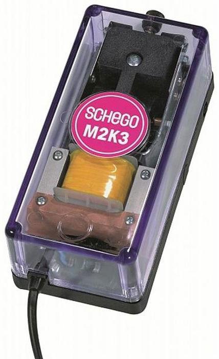 Компрессор Schego M2k3, 350 л/чS-739Компрессор Schego M2k3 придется по душе поклонникам классических форм, ценящим в оборудовании не внешний лоск, а надежность. Он имеет ряд потребительских качеств, выделяющих ее среди прочих - практически бесшумную работу, которую теоретически трудно ожидать от вибрационного компрессора максимальной производительностью 350 л/ч. Качественный регулятор, позволяющий очень тонко управлять интенсивностью воздушного потока. Имеются два канала позволяющие подключить разветвленную сеть воздуховодов для одновременного обслуживания нескольких аквариумов. Глубина - до 1м.Наличие плотного фильтра защитит распылитель от пыли. Имеется ушко для фиксации компрессора на вертикальной поверхности.