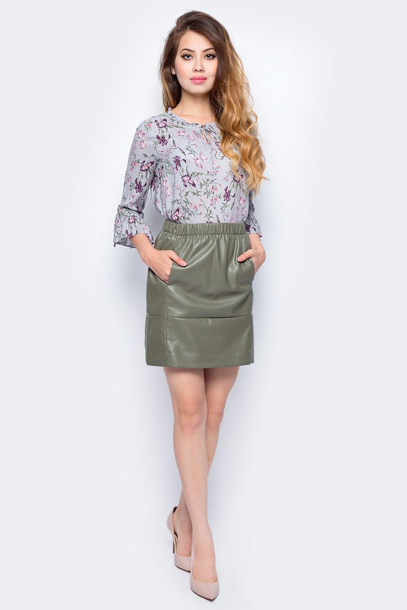 Юбка Sela, цвет: серый хаки. SK-318/856-7311. Размер 44SK-318/856-7311Ультрамодная женская юбка от Sela выполнена из искусственной кожи. Модель выше колен на талии дополнена широкой эластичной резинкой, по бокам имеются втачные карманы.