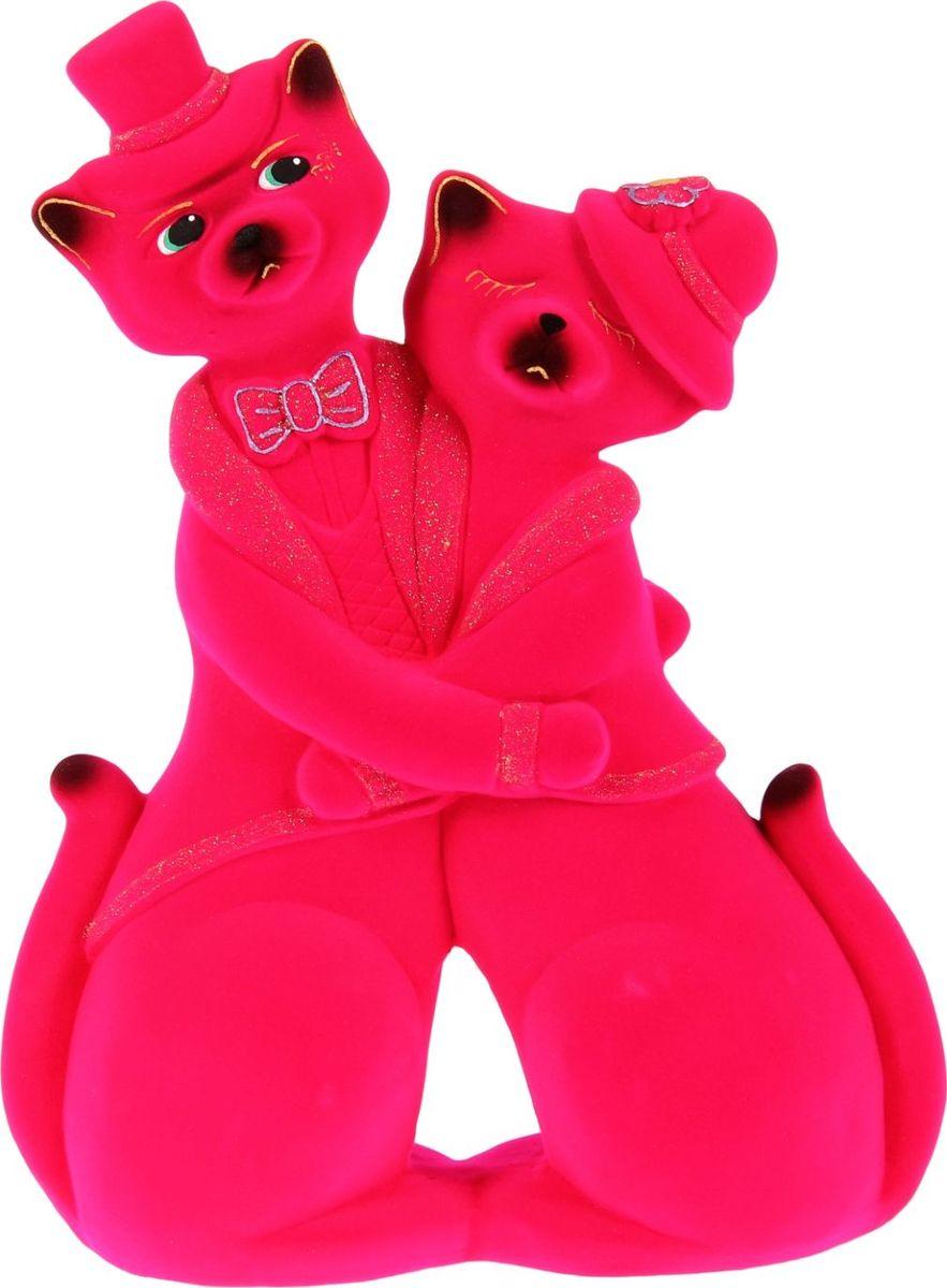 Копилка Керамика ручной работы Коты. Пара в танго, цвет: ярко-розовый, 12 х 30 х 42 см1130615Помните, как порой бывают необходимы не очень большие средства на какое-то нужное и важное дело, но они отсутствуют? Забудьте. В тот момент у вас не было копилки, которая помогла бы в сбережении денег. Изделие в виде котов поспособствует изгнанию злых духов из дома и защищает от сглаза. Кот символизирует домашний уют, тепло семейных отношений, психологический и эмоциональный комфорт.Обращаем ваше внимание, что копилка является одноразовой.