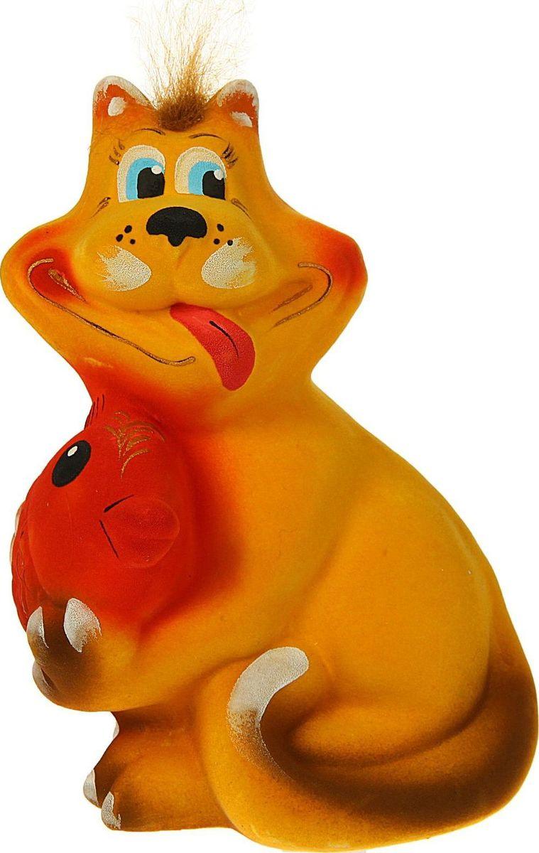 Копилка Керамика ручной работы Кот с рыбой, цвет: желтый, 18 х 13 х 25 см323607Помните, как порой бывают необходимы не очень большие средства на какое-то нужное и важное дело, но они отсутствуют? Забудьте. В тот момент у вас не было копилки, которая помогла бы в сбережении денег. Изделие в виде котов поспособствует изгнанию злых духов из дома и защищает от сглаза. Кот символизирует домашний уют, тепло семейных отношений, психологический и эмоциональный комфорт.