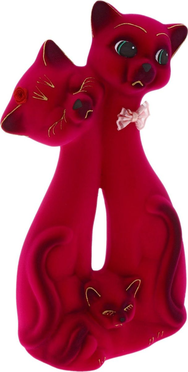 Копилка Керамика ручной работы Семья котов, цвет: бордовый, 8 х 14 х 26 см748726Помните, как порой бывают необходимы не очень большие средства на какое-то нужное и важное дело, но они отсутствуют? Забудьте. В тот момент у вас не было копилки, которая помогла бы в сбережении денег. Изделие в виде котов поспособствует изгнанию злых духов из дома и защищает от сглаза. Кот символизирует домашний уют, тепло семейных отношений, психологический и эмоциональный комфорт.