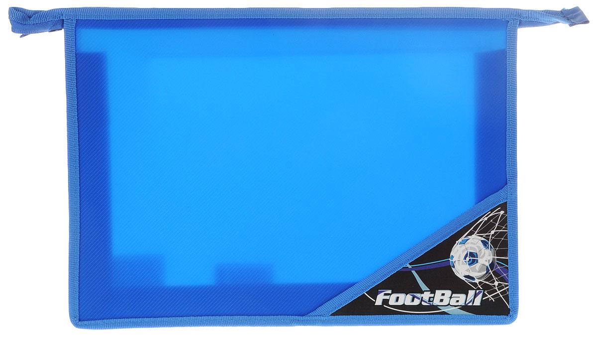 Brauberg Папка для тетрадей Футбол224802Папка для тетрадей Brauberg Футбол предназначена для мальчиков 7-10 лет. Изготовлена из прочного пластика и украшена оригинальным принтом.Папка Brauberg - это удобный и функциональный инструмент, который идеально подойдет для хранения различных бумаг формата А4, а также школьных тетрадей и письменных принадлежностей. Папка изготовлена из прочного пластика и надежно закрывается на застежку-молнию. Папка состоит из одного отделения.Изделие практично в использовании и надежно сохранит школьные принадлежности вашего ребенка.
