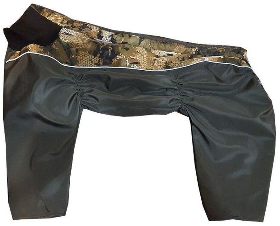 Комбинезон для собак OSSO Fashion, утепленный, для мальчика, цвет: хаки. Размер: 40Ку-1002-хаки-вставкаВнешняя сторона комбинезона OSSO Fashion защищает от ветра и дождя, а внутренняя- регулирует отвод тепла, за счет чего комбинезон защитит от непогоды, не перегреваясь и не переохлаждаясь.Внутренняя часть комбинезона выполнена из сцепления мембранной пленки (из синтетических полимеров), которая является водонепроницаемой и из флиса. Сцепление получается прочным и одновременно гибким, что делает комбинезон комфортным и теплым.Ткань, из которого выполнен комбинезон, была разработана для людей, работающих в экстремальных и сложных погодных условиях, а также для охотников.Воротник выполнен из трикотажа, высоко и плотно прилегающего к шее собаки.Комфортная посадка по корпусу достигается за счет резинок-утяжек под грудью и животом, а также благодаря отличным материалам и эргономичным выкройкам. Используется отделка со светоотражающим кантом.Рекомендации по подбору размера: размер подбирается по длине спины собаки. Она измеряется от холки (от места где сходятся лопатки) до основания хвоста, в стоячем положении. Предупреждение: не измеряйте длину спины от шеи, только от холки. Воротник в расчет длины спины комбинезона не входит. Обхват шеи: 38-42 см.Обхват груди: 56-64 см.Длина по спинке: 40 см.Длина лапы: 21-22 см.