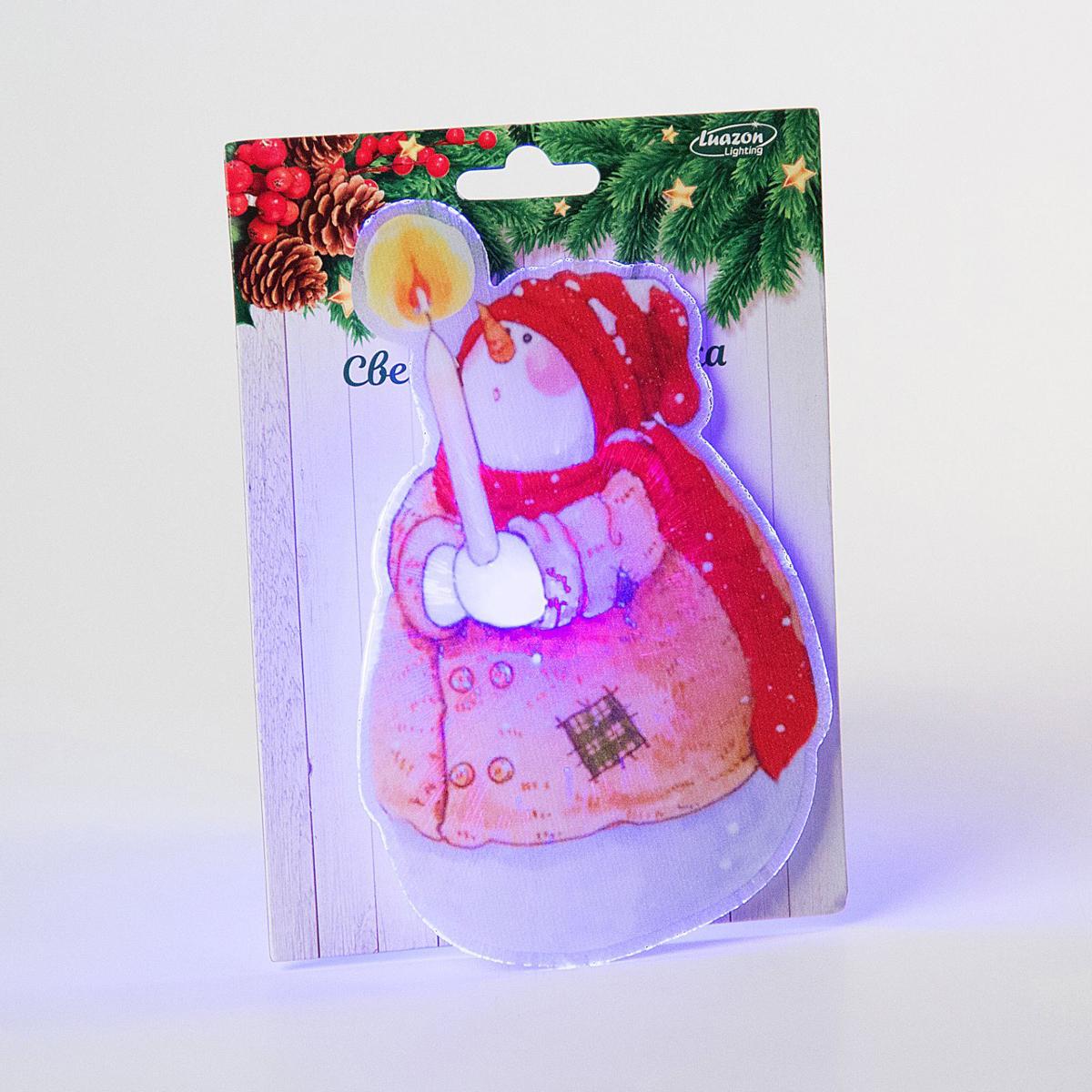 Картинка световая Luazon Снеговик рождественский, на присоске2364024Невозможно представить себе современный мир без электроприборов. Благодаря качественным материалам и работе дизайнеров они способны сделать нашу жизнь комфортнее и порадовать глаз. Световые картинки - это прекрасный выбор, если вы находитесь в поиске товара, который идеально впишется в ежедневную жизнь и прослужит долго.