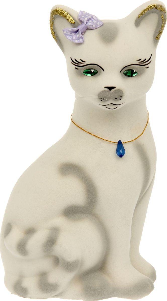 Копилка Керамика ручной работы Кошка Лиза, 11 х 14 х 26,5 см1123863Женщины любят баловать себя покупками для красоты и здоровья. С помощью такой копилки можно незаметно приблизиться к приобретению желаемого. Образ кошки всегда олицетворял привлекательность и символизировал домашнее спокойствие. Поставьте изделие возле предметов роскоши, и оно будет способствовать их преумножению.