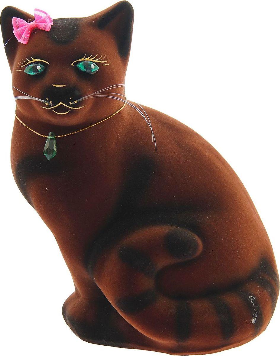 Копилка Керамика ручной работы Кошка Мурка, 13 х 19 х 21 см1148328Женщины любят баловать себя покупками для красоты и здоровья. С помощью такой копилки можно незаметно приблизиться к приобретению желаемого. Образ кошки всегда олицетворял привлекательность и символизировал домашнее спокойствие. Поставьте изделие возле предметов роскоши, и оно будет способствовать их преумножению.