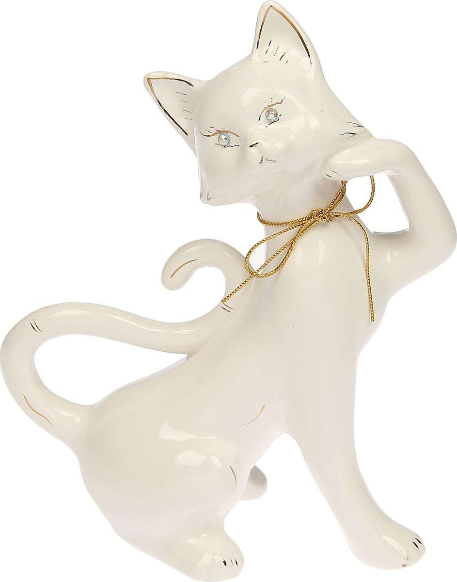 Копилка Керамика ручной работы Кошка Милена, 11 х 25 х 30 см1445272Женщины любят баловать себя покупками для красоты и здоровья. С помощью такой копилки можно незаметно приблизиться к приобретению желаемого. Образ кошки всегда олицетворял привлекательность и символизировал домашнее спокойствие. Поставьте изделие возле предметов роскоши, и оно будет способствовать их преумножению.