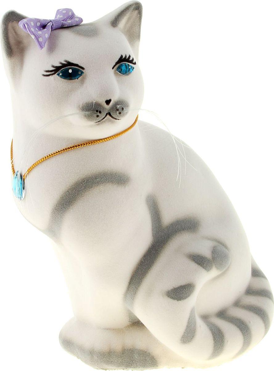 Копилка Керамика ручной работы Кошка Мурка, 20 х 12 х 15 см189087Копилка-кошка символизирует хитрость. Она поможет своему хозяину быстро скопить желаемую сумму, поэтому не стоит удивляться совсем неожиданным финансовым поступлениям. Очень важно создать уют для своей копилки-кошки. Она любит комфорт, и если вы создадите его, она отплатит сполна.Обращаем ваше внимание, что копилка является одноразовой.