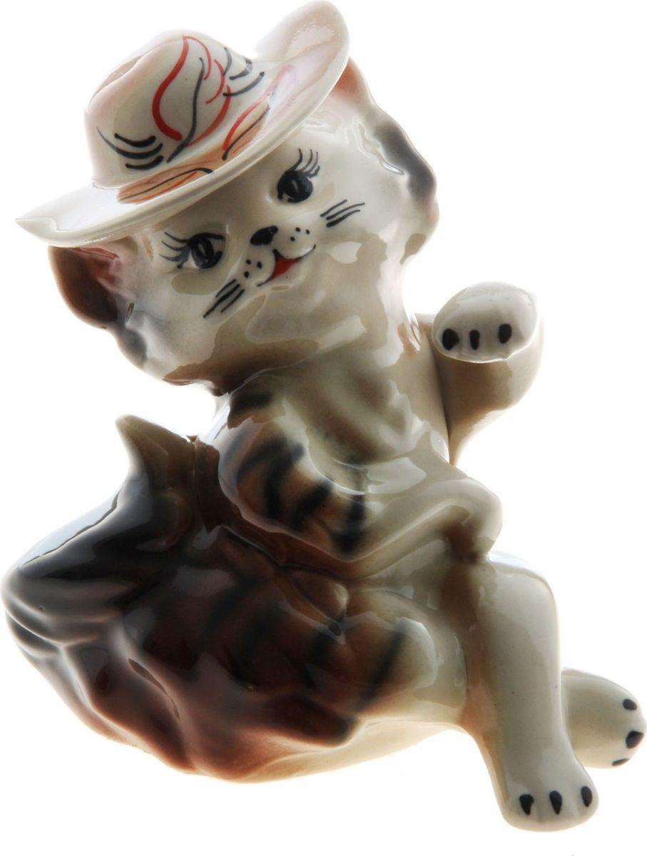 Копилка Керамика ручной работы Кошка мадам, 10 х 14 х 18 см748924Женщины любят баловать себя покупками для красоты и здоровья. С помощью такой копилки можно незаметно приблизиться к приобретению желаемого. Образ кошки всегда олицетворял привлекательность и символизировал домашнее спокойствие. Поставьте изделие возле предметов роскоши, и оно будет способствовать их преумножению.