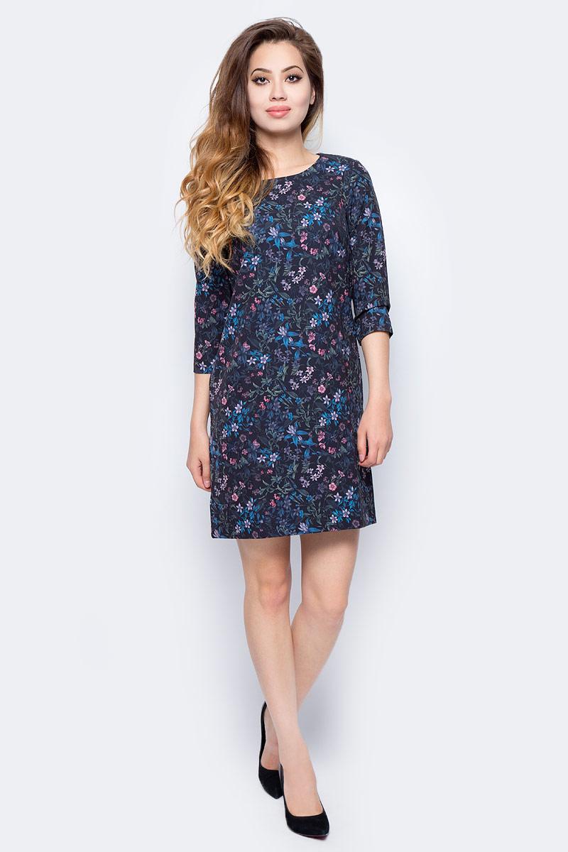 Платье Sela, цвет: черный. D-117/1210-7341. Размер 50D-117/1210-7341Стильное платье от Sela выполнено из высококачественного материала. Модель выше колен А-силуэта с рукавами 3/4 на спине застегивается на молнию.