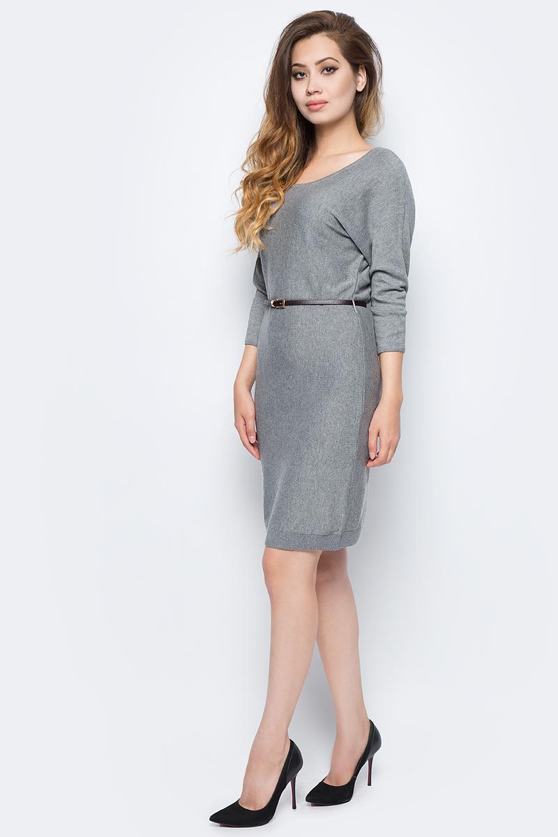 Платье Sela, цвет: серый меланж. DSw-117/1165-7422. Размер S (44)DSw-117/1165-7422Стильное платье от Sela выполнено из высококачественного материала с добавлением шерсти. Модель полуприлегающего силуэта с рукавами летучая мышь длиной 3/4 на спине застегивается на пуговицу. На талии платье дополнено тонким ремешком из искусственной кожи.