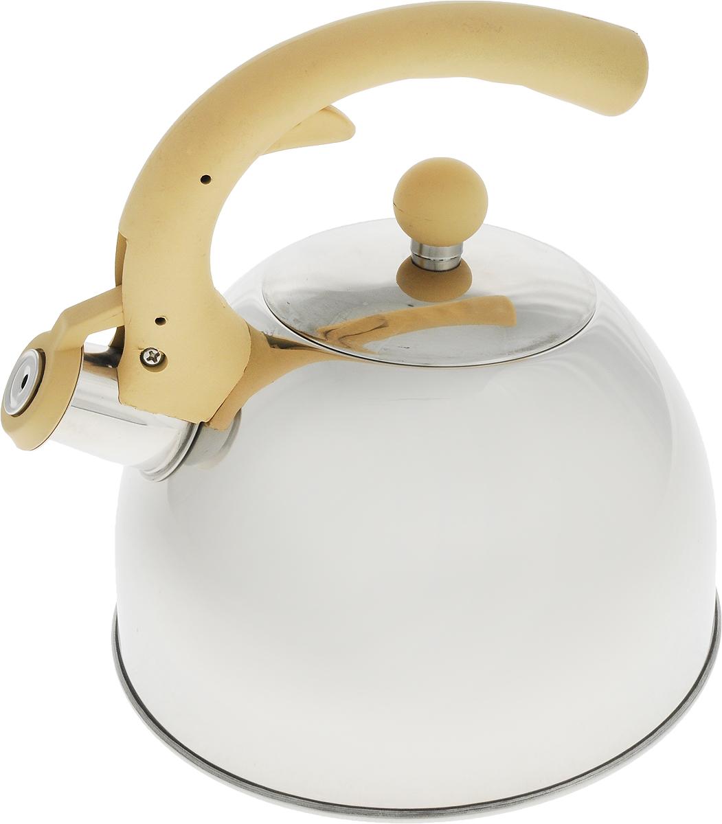 Чайник Travola, со свистком, цвет: серый, бежевый, 2,5 л00002101Чайник Travola выполнен из высококачественной нержавеющей стали и алюминия, что делает его весьма гигиеничным и устойчивым к износу при длительном использовании. Носик чайника оснащен насадкой-свистком, что позволит вам контролировать процесс подогрева или кипячения воды. Чайник снабжен стальной крышкой и эргономичной нейлоновой ручкой с резиновым покрытием.Эстетичный и функциональный чайник будет оригинально смотреться в любом интерьере.Подходит для всех типов плит, включая индукционные. Высота чайника (с учетом ручки и крышки): 23 см.Диаметр чайника (по верхнему краю): 10 см.Диаметр индукционного дна: 19 см.